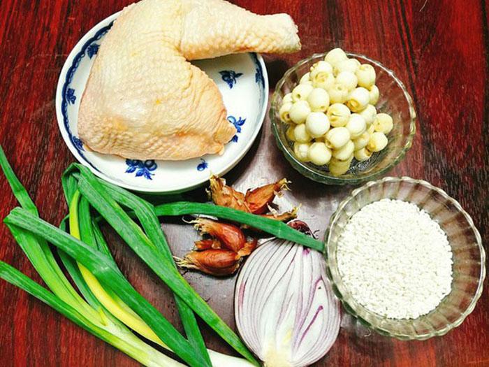 Nguyên liệu về cách nấu gà hầm hạt sen